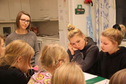 Seurakunnassa voi oppia vaikka kokkaamaan – Nuoriso-ohjaajan työn pääpaino kuitenkin nuorten tavoittamisessa ennen ongelmien kasvamista