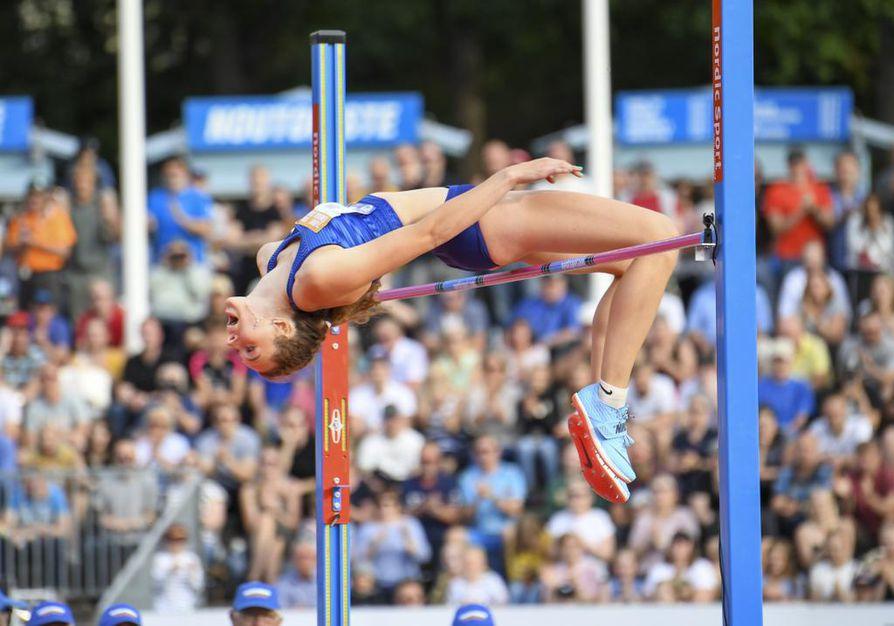 Ella Junnilan tiistain tulos on uusi korkeushypyn naisten Suomen ennätys.