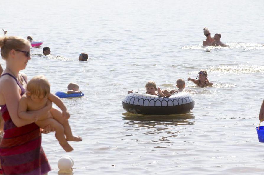 Nyt etsitään Oulun parasta uimapaikkaa.