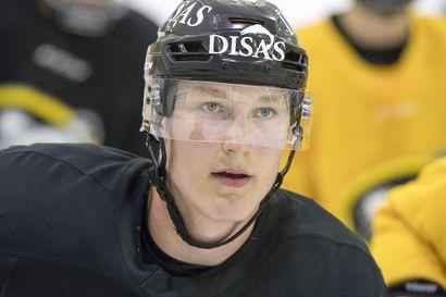 Kärppälupaus Aatu Räty solmi kolmen vuoden tulokassopimuksen NHL-seura New York Islandersin kanssa