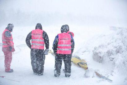 Kurjat  sääolot keskeyttivät snowcrossin SM-avauksen Kokkolassa