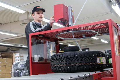"""Keminmaan Pörhö avaa rengaspalvelukeskuksen entisiin Halpa-Hallin tiloihin – """"Pörhö Center Keminmaasta saa nyt kaikki autoon liittyvät palvelut!"""""""