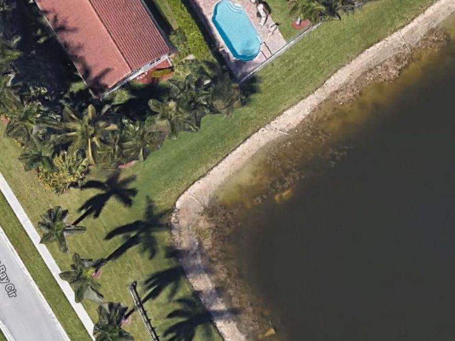 Tällä viikolla poliisi vahvisti löytäneensä 22 vuotta sitten kadonneen yhdysvaltalaismiehen. William Moldtin auto näkyy edelleen Googlen karttojen satelliittikuvassa veden alla lammen reunassa.
