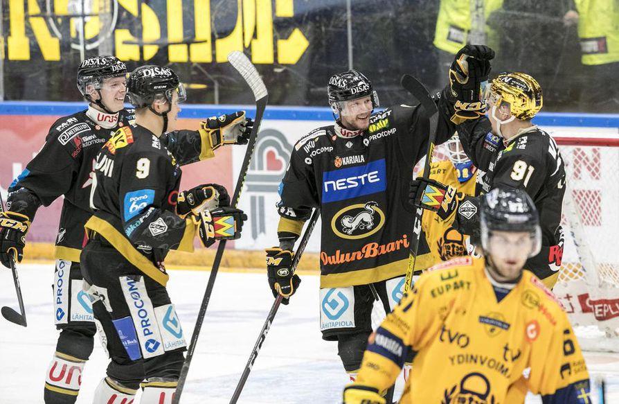 Jakub Krejcik (vas.), Jesse Puljujärvi, Mika Pyörälä ja Juho Lammikko olivat Kärppien kauden 2019 –2020 kantavia voimia.