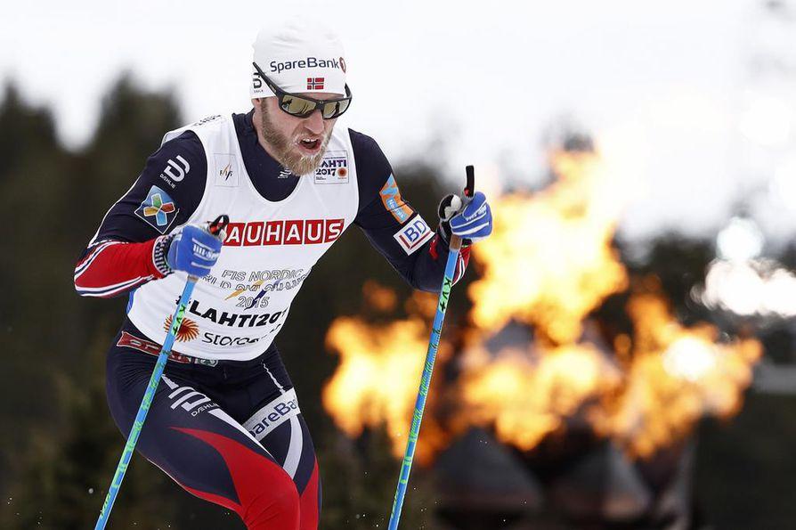 Martin Johnsrud Sundby hiihti viime talvena kaksi kultaa. Kuva Lahden MM-kisoista vuodelta 2017.