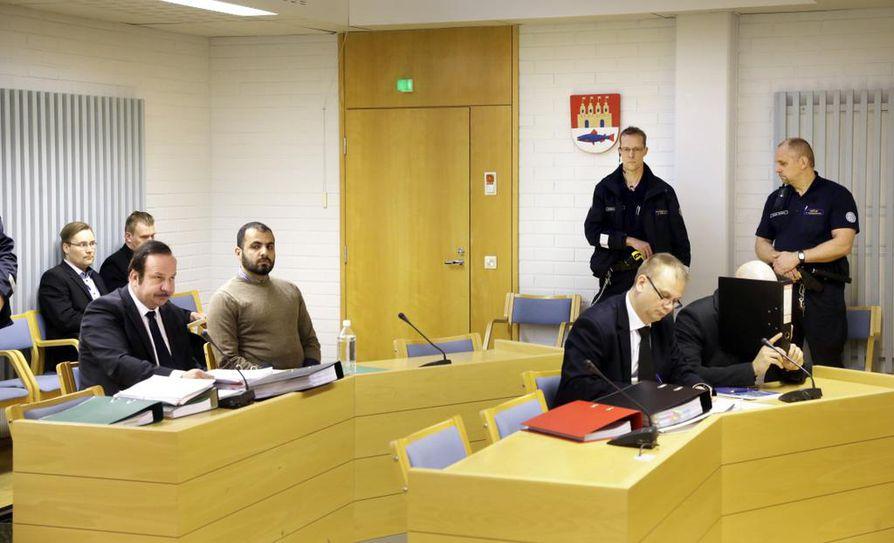 Mansouri ja Erikkilä tuomittiin elinkautisiin vankeusrangaistuksiin Oulun käräjäoikeudessa huhtikuussa 2013.