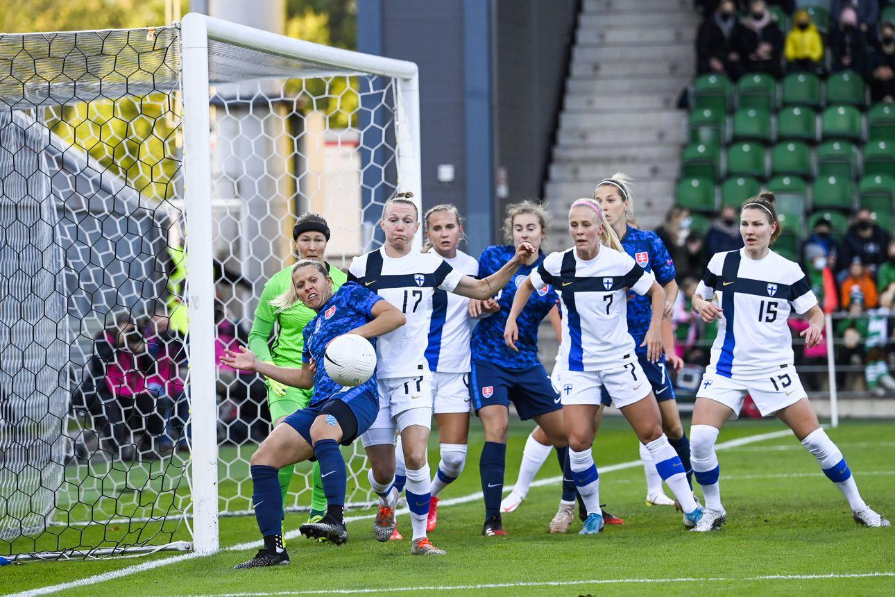 Suomen naisten jalkapallomaajoukkue Helmarit aloitti MM-karsinnat voitolla – Slovakia kukistui pirteällä esityksellä Turussa
