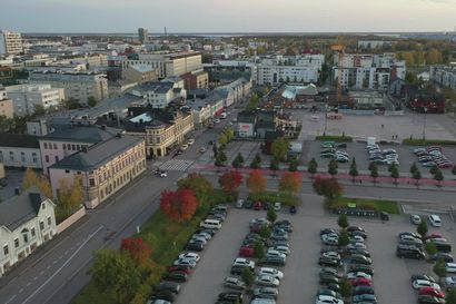 Turisti kaipaa hotellilta maisemia – katso, millainen näköala avautuu Radisson Blu -hotellin katolta