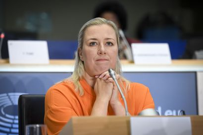 """EU-komissaari Urpilainen kehottaa luottamaan asiantuntijatietoon kriisin keskellä – """"pää on pidettävä kylmänä"""""""