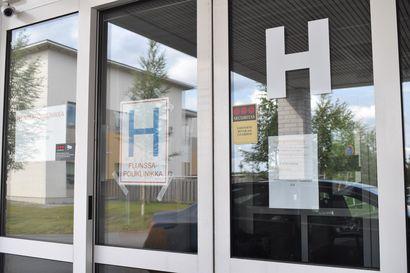 Kuusamon Pallo-Karhujen talkoolaiset kuljettavat koronanäytteitä Ouluun tutkittaviksi – lisäkuljetukset lyhentävät testien käsittelyaikaa 12 tuntia