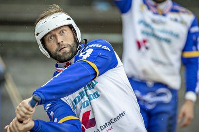 """Lippo hermoili välierien ensimmäisen kiinnityksen Kuopiolle – """"Ei näitä voiteta, jos ollaan löpsynlöpsyn"""""""