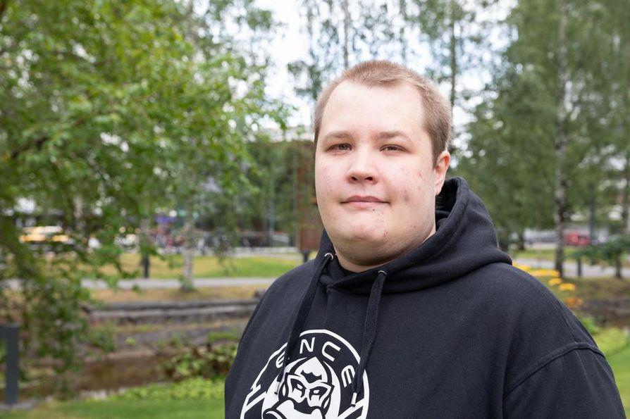 Miika Kinnunen alkoi aikoinaan pelata kavereiden kanssa huvin vuoksi. Kun kehittyy pelaajana, pääsee parempiin joukkueisiin, hän kertoo.