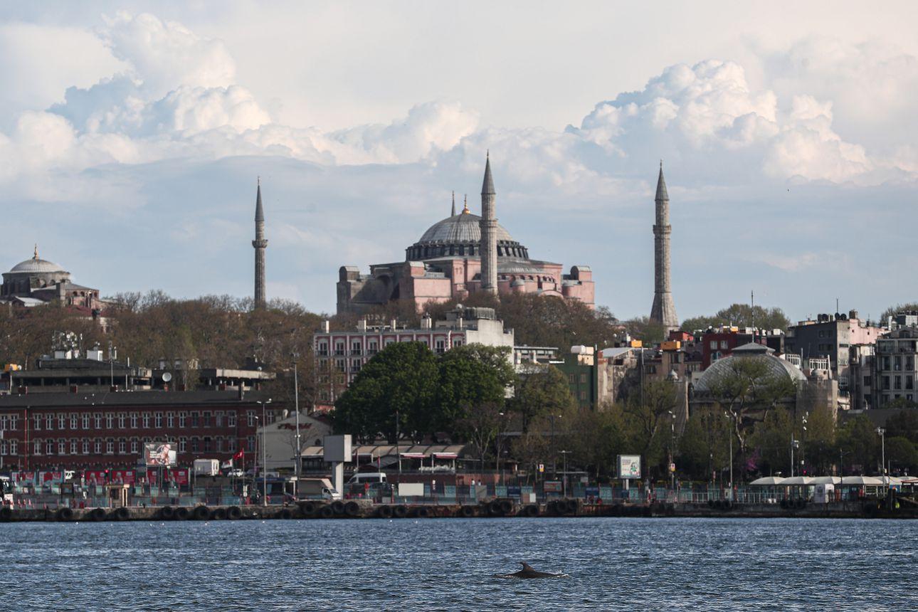 Turkin presidentti haluaa muuttaa Hagia Sofian takaisin moskeijaksi – rakennus toimi kirkkona 900 vuotta ennen ottomaanien valloitusta