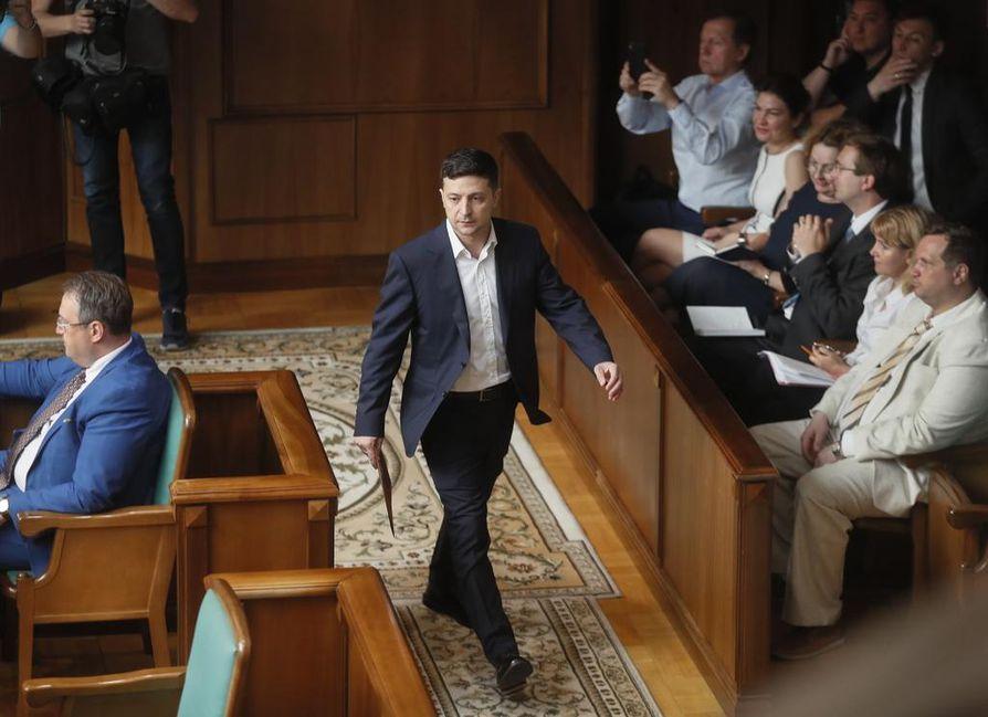 Ukrainan presidentin Volodymyr Zelensky nauttii maassa laajaa kansansuosiota.