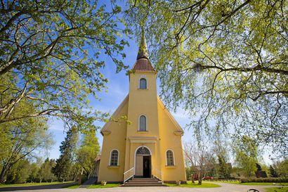 Saloisten kirkon suunnittelusta ja rakentamisesta vastasi rakennusmestari Pekka Karvonne Oulusta. Uuden kirkon rakennusmateriaaliksi valittiin tiili.