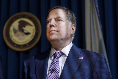 Oikeusministeri yrittää erottaa Trumpin liittolaisia tutkineen syyttäjän – syyttäjä kieltäytyy lähtemästä