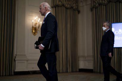Yhdysvalloissa saavutettiin synkkä rajapyykki: Puoli miljoonaa ihmistä on kuollut koronavirustaudin seurauksena, presidentti Biden määräsi suruliputuksen