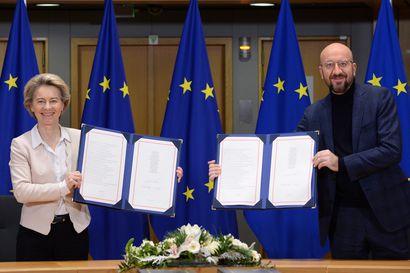 Brittiparlamentti hyväksyi ylivoimaisella enemmistöllä EU-sopimuksen – Britannian ilmavoimat lennättivät sopimuksen pikavauhtia Brysselistä
