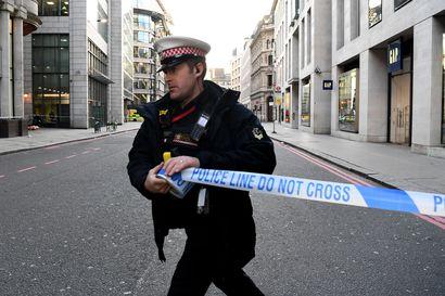 Ainakin kaksi ihmistä on kuollut puukotuksissa London Bridgen alueella – Lontoon pormestari kiittää kaupunkilaisia sankaruudesta