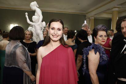 Pääministeriehdokkaat Sanna Marin ja Antti Lindtman pysähtyivät juhlimaan raskaan viikon jälkeen