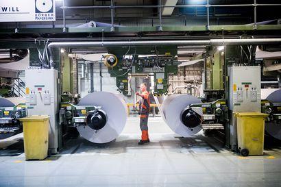 """Stora Enso yrittää välttää Veitsiluodon tehtaiden seisokkia houkuttelemalla työntekijät töihin lomilta 500 euron bonuksella – """"Tämähän kuvastaa vain sitä, mitä työnantaja haluaa eli rahaa"""""""