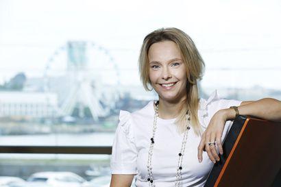 Anita Isomaa-Myllymäki työskentelee unelmatehtävässään näköalapaikalla Elinkeinoelämän keskusliittossa