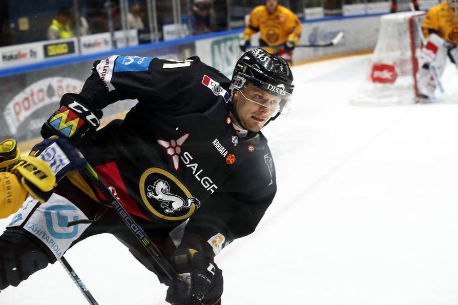 Nicklas Lasu nousi otsikoihin keskiviikkona niin Ruotsissa kuin Suomessakin.