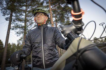 Oulun poliisilaitos aloittaa polkupyöräpartioinnin – Toimitilaongelmien kurittamaa laitosta luotsaa uusi poliisipäällikkö Mika Heinilä