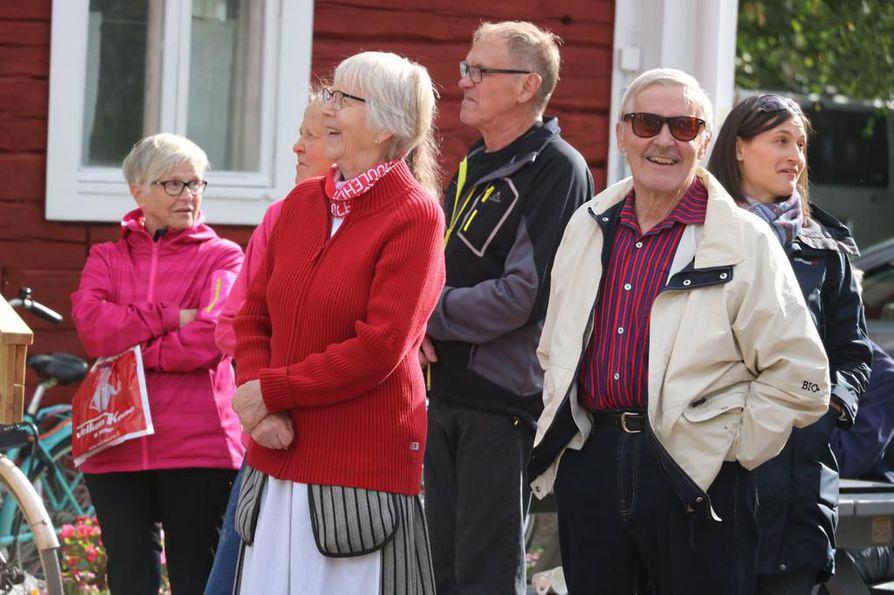 Kärsämäkiset Eriika ja Pekka Kyllönen ovat tehneet vuosikymmenten ajan kotiseututyötä oman paikkakunnan ja koko alueen hyväksi.