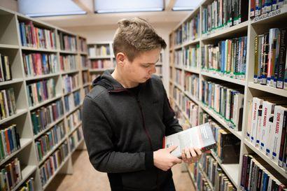 Koillismaalla kirjastojen käyttö hitaassa laskussa - posiolaiset ahkerimpia käyttäjiä