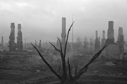 Oliko tämä vahinko? Rovaniemen täydellinen tuho johtui saksalaisten hutiloinnista, sanoo Lapin sotaan sukeltanut kirjailija