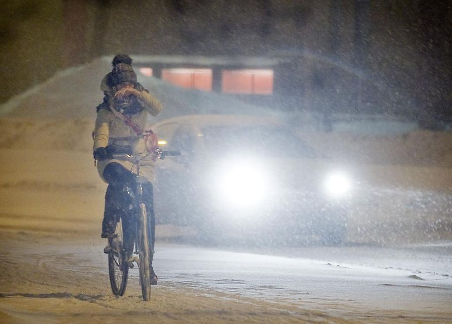 Tiistain aikana Ouluun voi sataa useita senttejä lunta.