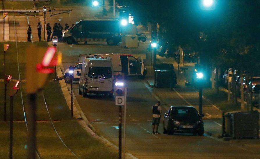 Perjantai-iltaan mennessä neljä ihmistä oli pidätetty.