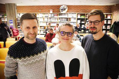 """""""Oikein kovaa palautetta emme ole vielä saaneet"""" – merilappilaiset Tieto-Finlandia -voittajat esittelivät metsäkirjaansa kemiläisyleisölle"""