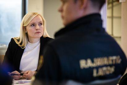 """Sisäministeri Ohisalo: """"Suomen viranomaiset eivät voi lähteä Kreikkaan rikkomaan lakia"""""""