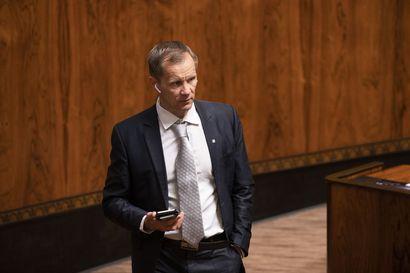 """Ulkoasiainvaliokunnan puheenjohtaja Mika Niikko (ps.) sai tiedon al-Holin kotiuttamisista perjantaina – """"Asia hoitui, kuten oli sovittu"""""""