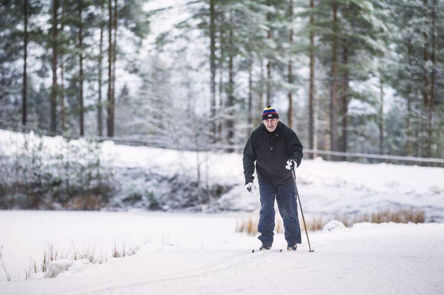 Sankivaaran ensilumenlatu avataan hiihtäjille tänään perjantaina kello 16. Latua on tehty yhteensä noin 1,3 kilometrin matkalle.