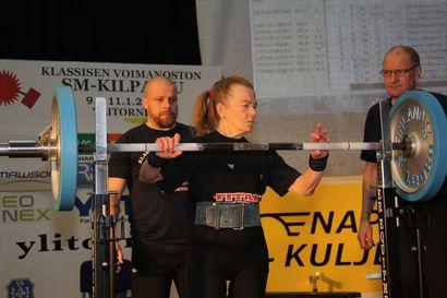 Eila Kumpuniemi nosti masters SM-kultaa Ylitorniolla