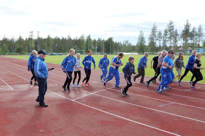 Suojalinnalla juostaan ensi viikolla kunniakierros Suomen parhaan kestävyysjuoksijan, Annemari Kiekaran kanssa