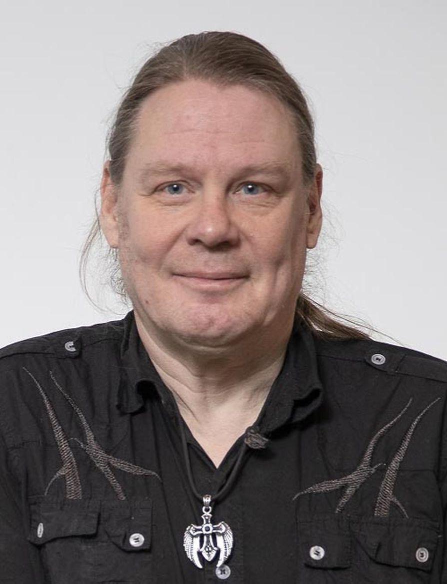 Tutkija Jussi Sohlberg sanoo Villen vahvistavan tiettyä mielikuvaa uskovaisesta ihmisestä.