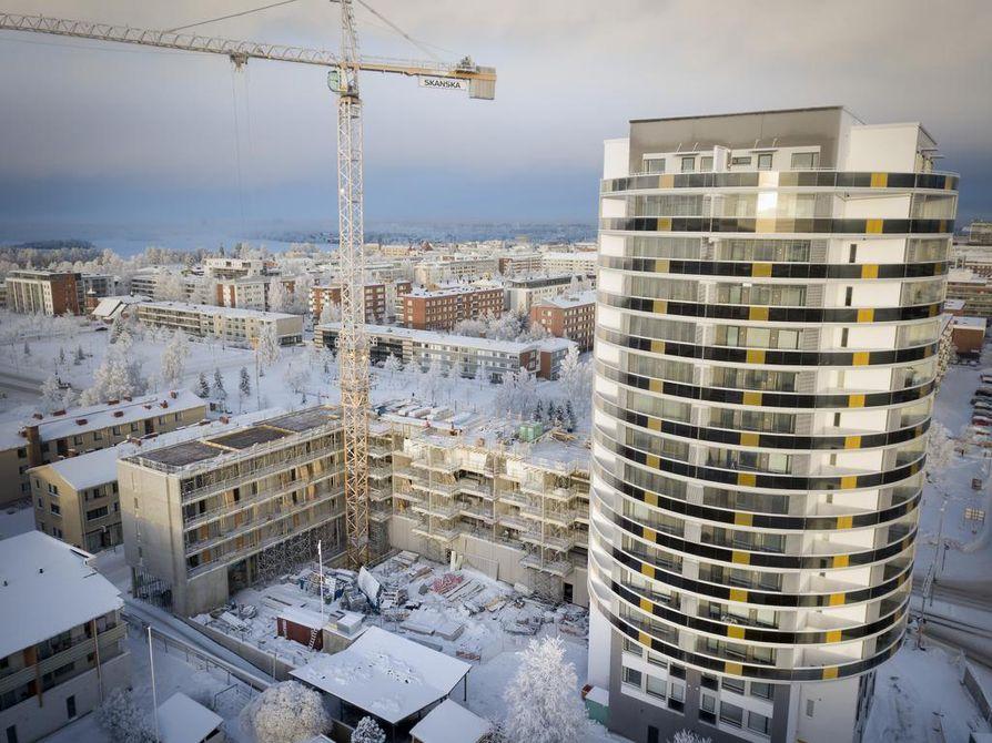 Puistovahti on Heinäpäähän vasta valmistunut 16-kerroksinen rakennus. Heinäpäähän on suunnitteilla muallekin korkeaa rakentamista.