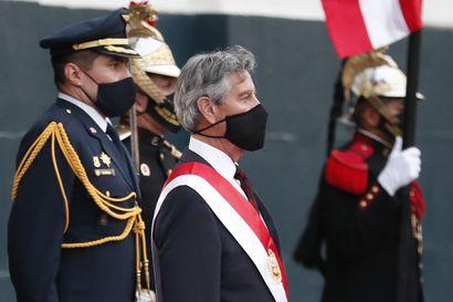 Perussa on jo kolmas presidentti reilun viikon sisään – edeltäjillä on mittava rikoshistoria