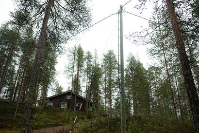 """Tiedätkö oman sähkönkulutuksesi? Juha Säkkinen osti mökilleen ilmalämpöpumpun pienentääkseen sähkölaskua – """"Nyt hinnannousu on niin rajua, että lämmön laskeminen ei riitä"""""""