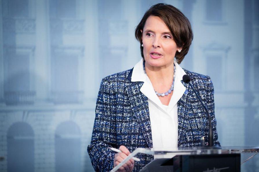 Valtiovarainministeriön viestissä arvostellaan liikenne- ja viestintäministerin Anne Bernerin (kesk.) toimintaa.