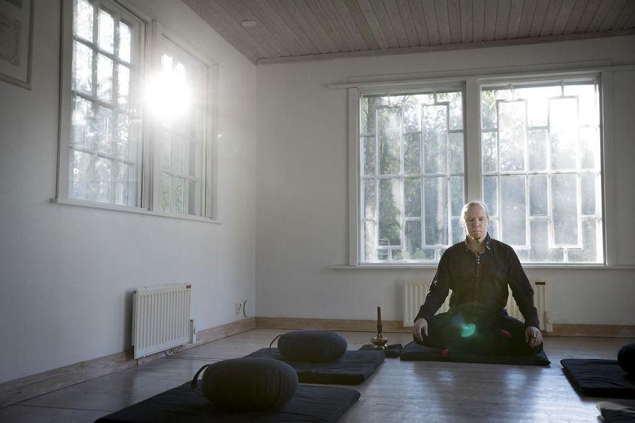 Ari-Pekka Skarp on meditoinut reilut 15 vuotta.