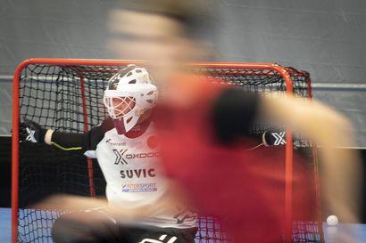 Joko jännittää, päävalmentaja Jari Karjalainen? Niittareiden koitos Divarin uudella kaudella käynnistyy 12. syyskuuta, vastikään joukkue pääsi harjoittelemaan uuteen kotihalliinsa