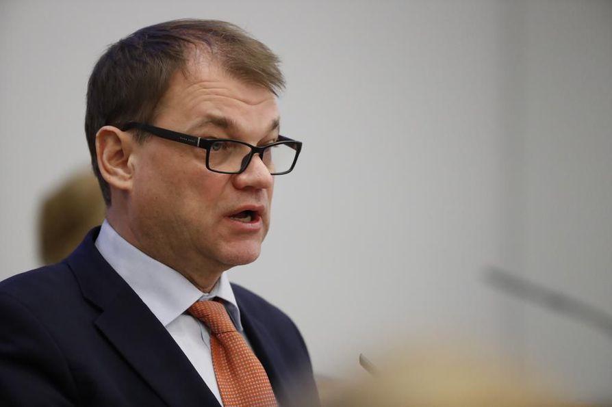 Pääministeri Juha Sipilä (kesk.) toteaa, että kiky-sopimus ja nollaratkaisut ovat kuroneet eroa umpeen.