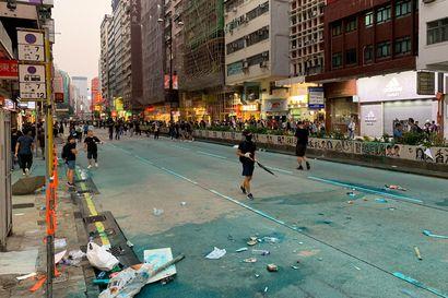 """""""Kannattaako täällä asua, jos kallis kaupunki ei tuota"""" – Otto Lilja pyörittää digimarkkinointia Hongkongin kaaoksessa ja punnitsee tulevaisuudennäkymiä"""