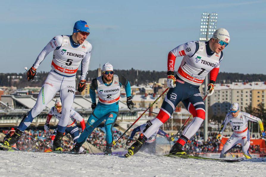 Ristomatti Hakola (vas.) sijoittui Lahden sprintissä viidenneksi.