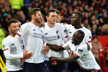 Liverpool nousi tasapeliin ManUn vieraana - VAR hylkäsi yhden maalin